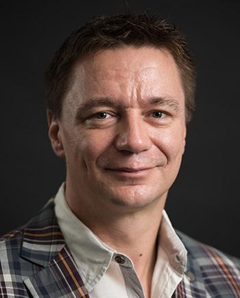Dr. Lars C. Grabow